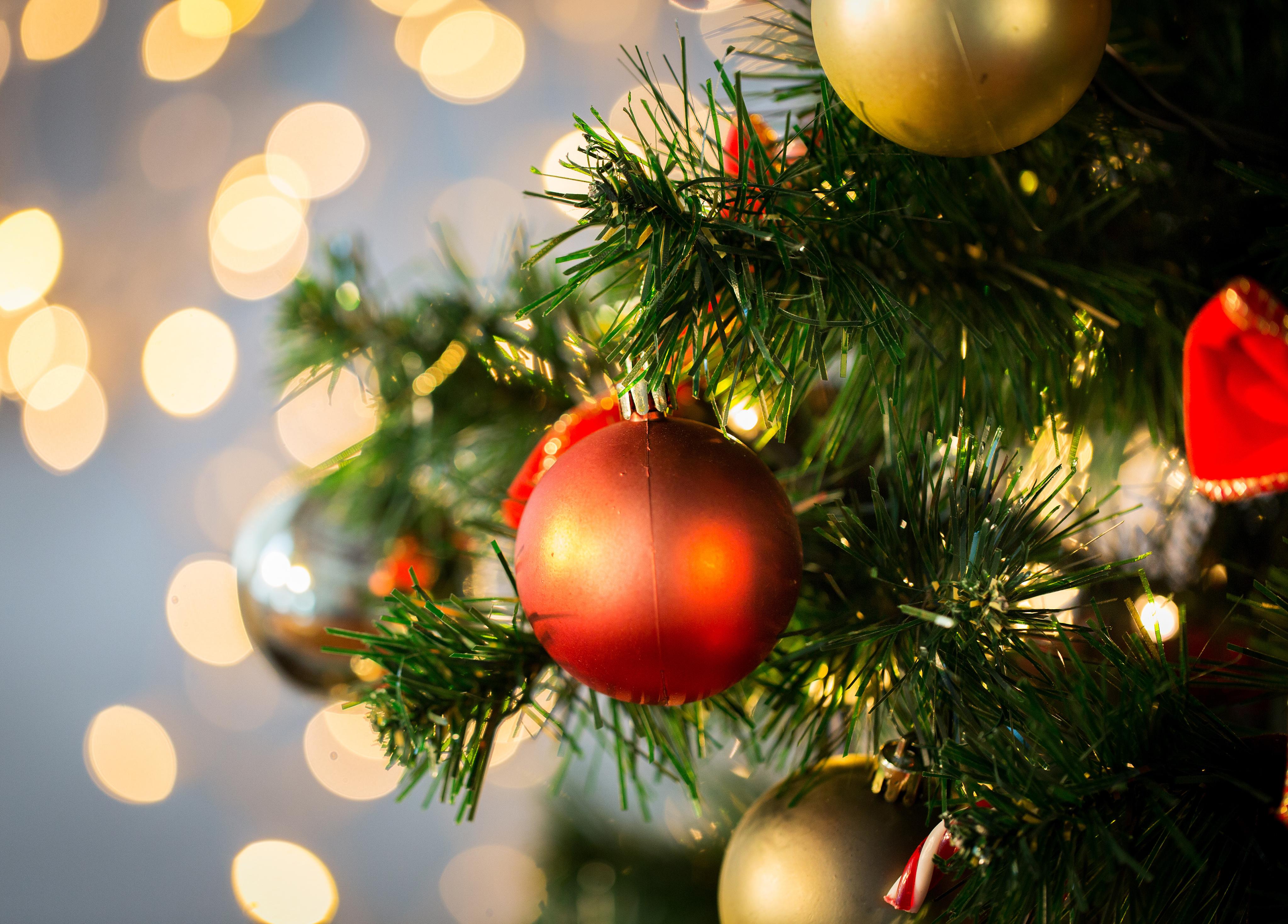 Artificial Christmas Tree 101