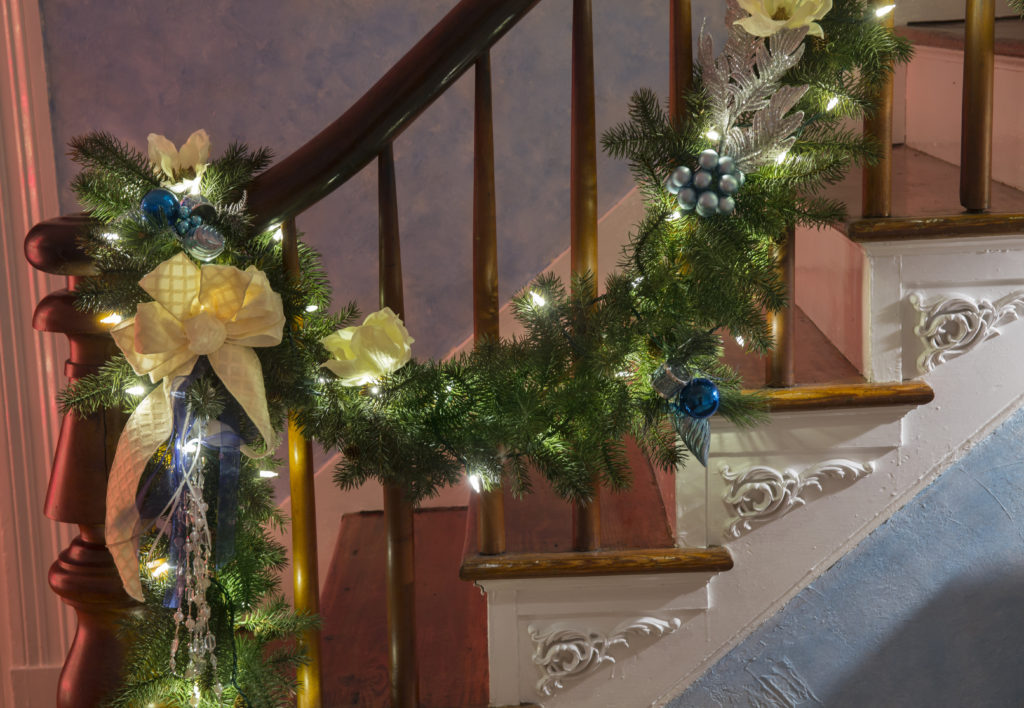 How to decorate a banister 28 images how to decorate a for How to decorate a banister
